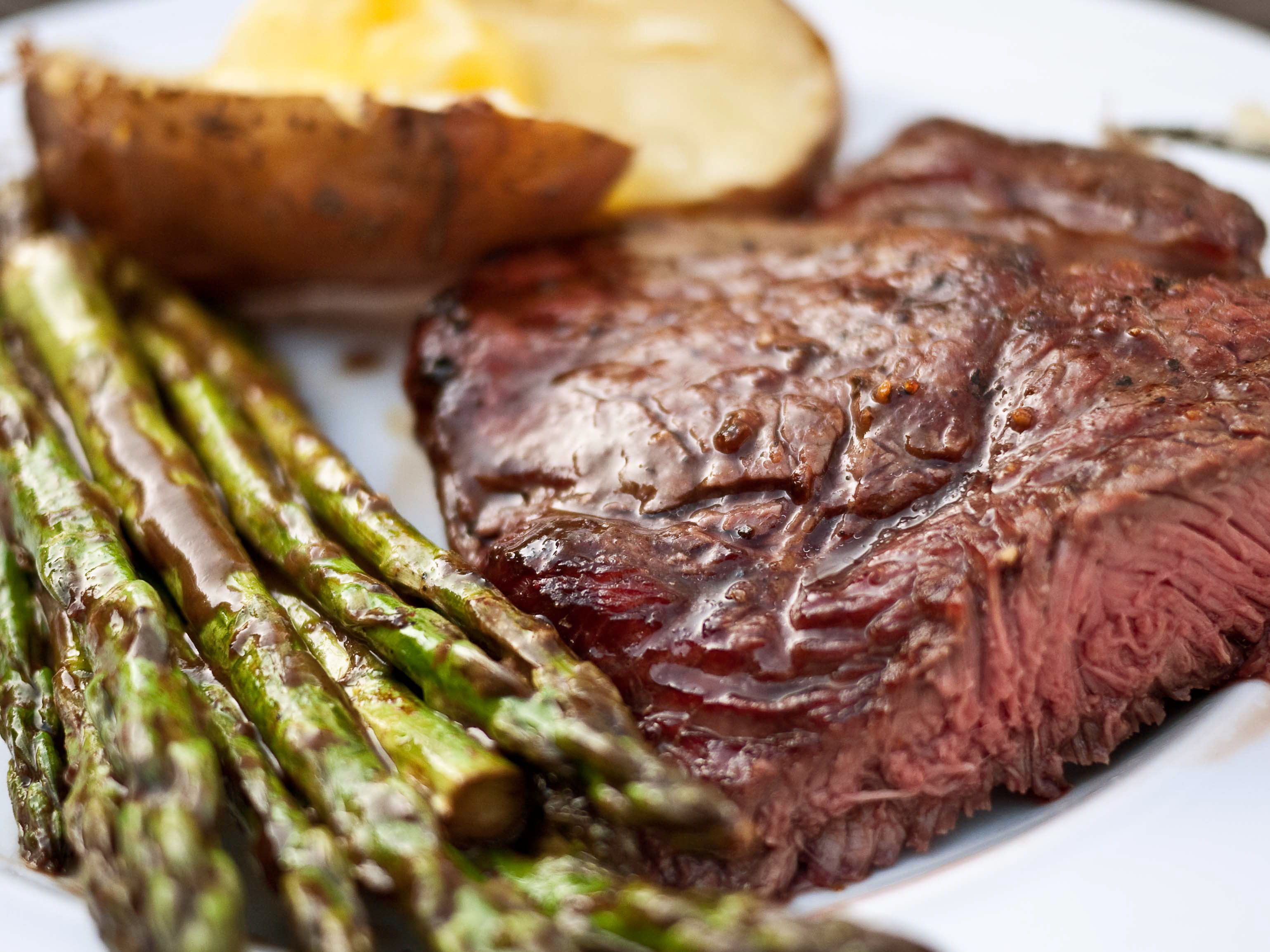 and asparagus sirloin steak with roasted potatoes and asparagus ...