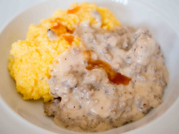 Cheesy Grits and Sausage Gravy